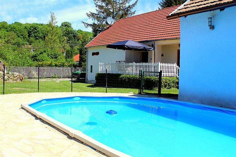 ferienhaus pool