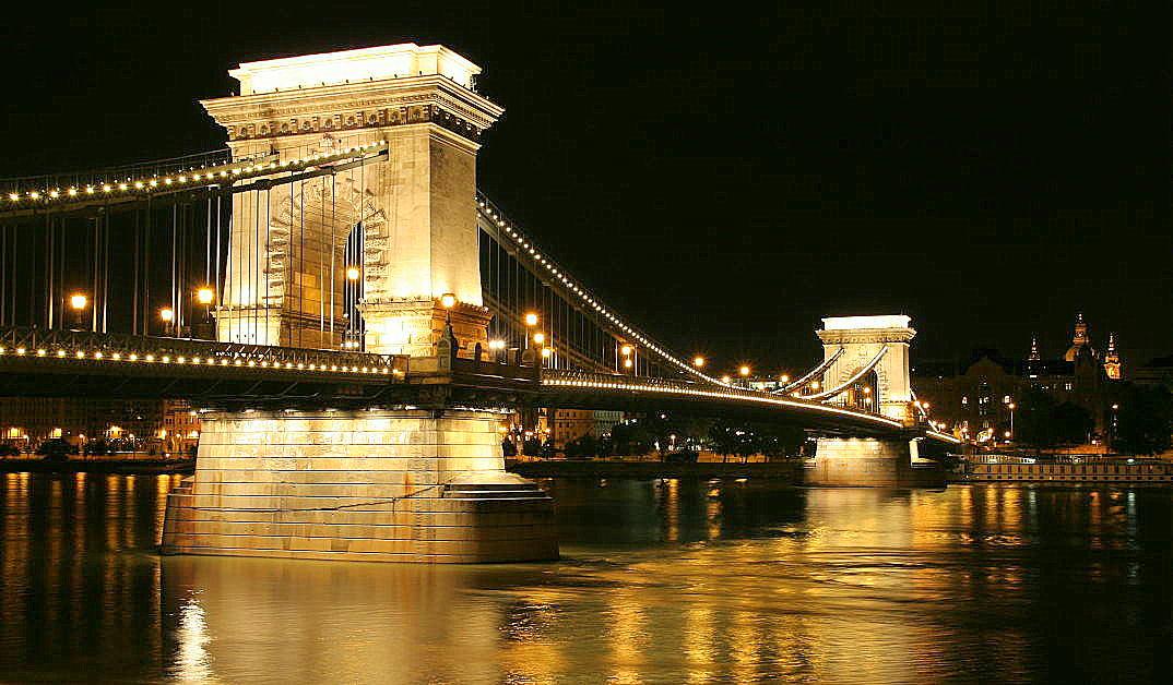 budapest ungarn kettenbrücke