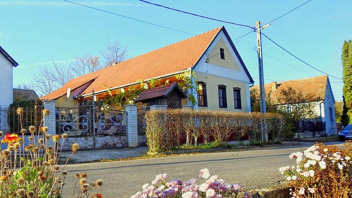 Het Hongaarse Huisje In Lothárd